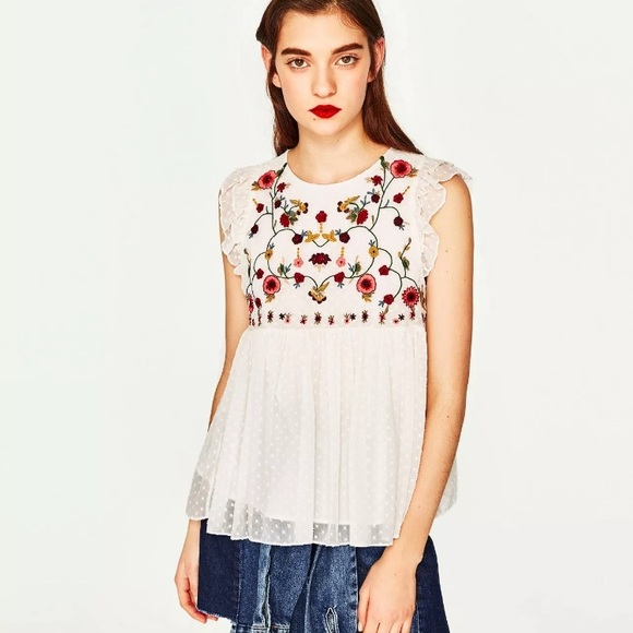 ac0bad95bc6ad Zara white floral embroidered top